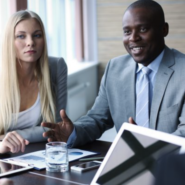 Win your job. DOs and DON'Ts for your next group interview.